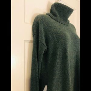 Yummy soft Pure Luxe cashmere t-neck sweater